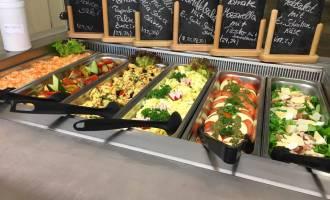 Salatbar im Betriebsrestaurant Berlin Lichtenberg