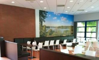 Betriebsrestaurant-Innenraum